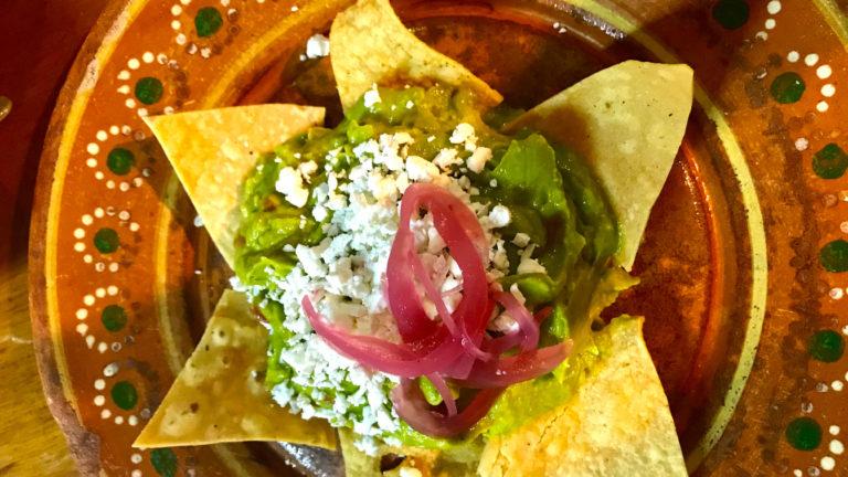 guacamole-and-nachos