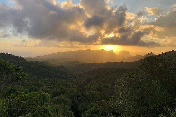 На каком побережье острова Маврикий лучше жить?